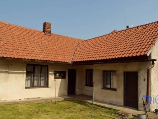 Dohalice - rodinný dům k rekonstrukci s pozemkem 1820 m² a stodolou foto 1