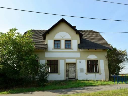 Chvalkovice - Malá Bukovina - rodinný dům s pozemkem 1690 m² foto 1