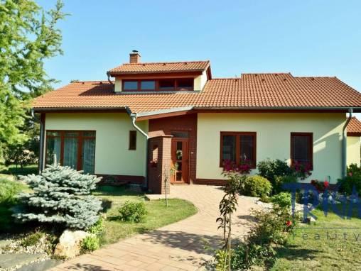 Vysoké Chvojno - novostavba rodinného domu 5+kk s pozemkem 614 m² foto 1