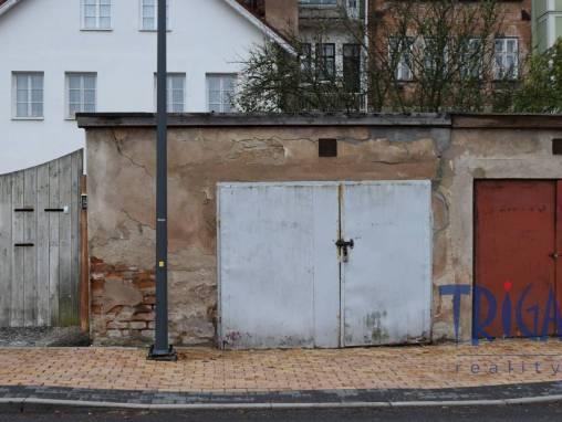 Jaroměř - prodej garáže u náměstí foto 1