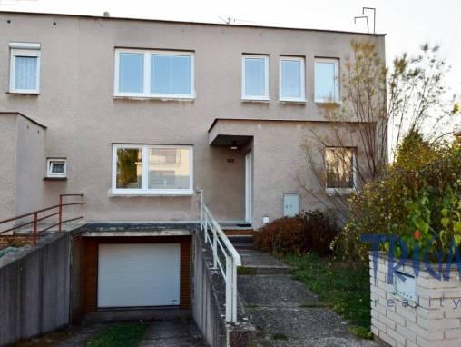 Holohlavy - řadový rodinný dům 4+1 s garáží foto 1