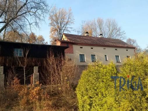 Náchod - rodinný dům s pozemkem 483 m² foto 1