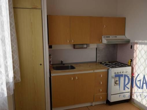 Jaroměř - podnájem bytu 1+1 s lodžií foto 1