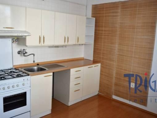 Hradec Králové  - byt 3+1 v OV s lodžií foto 1