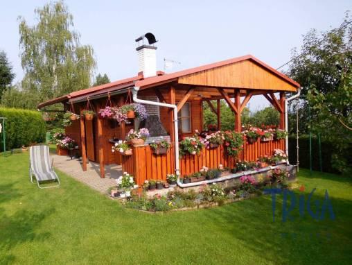 Dvůr Králové n. L. - zahrada s chatou foto 1