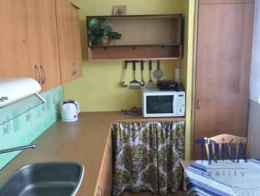 Jaroměř - byt 2+1 se zasklenou lodžií foto 1