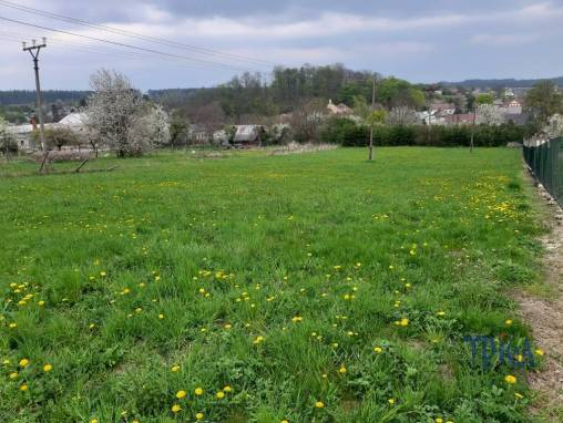 Choustníkovo Hradiště - pozemek foto 1
