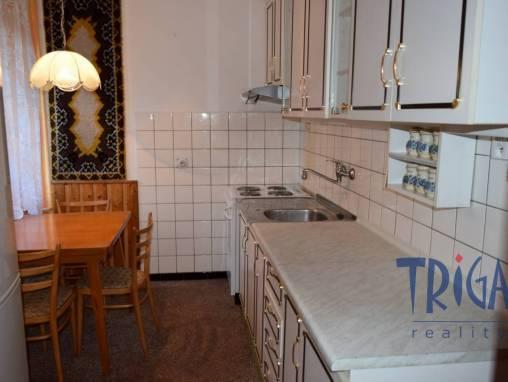Červený Kostelec - prodej bytu 3+1 v osobním vlastnictví foto 1