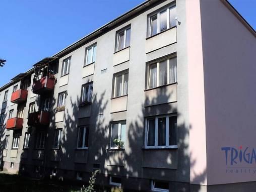 Dvůr Králové n.L. - pronájem bytu 3+1 foto 1