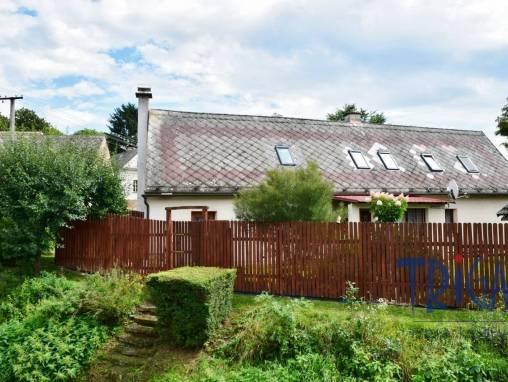 Dolany- Krabčice - rodinný dům 5+1 s pozemkem 1153 m² foto 1