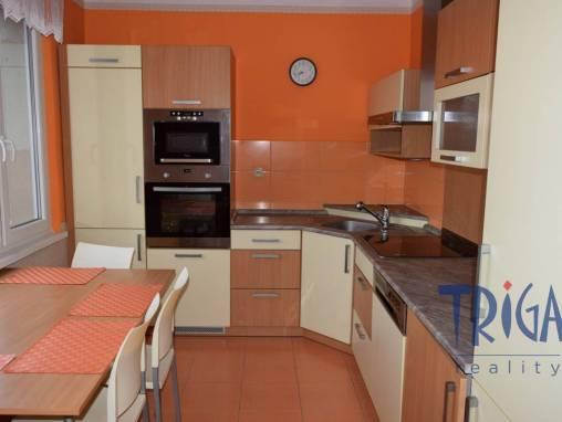 Jaroměř - pronájem prostorného bytu 3+1 s balkonem foto 1