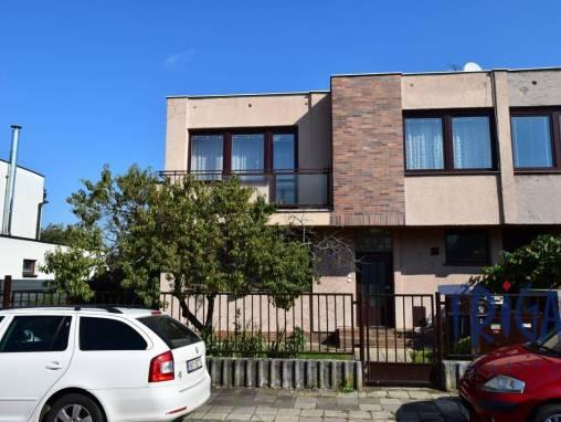 Hradec Králové - prodej bytu 3+1 se zahrádkou  foto 1