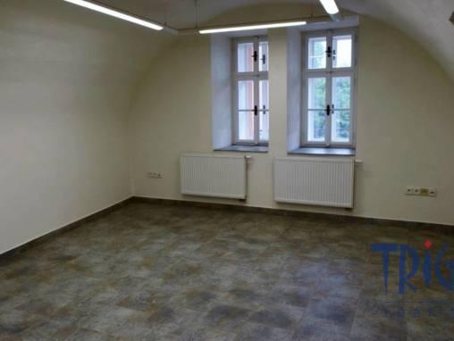 Jaroměř - pronájem nebytového prostoru ( kancelář, ordinace lékaře) foto 1