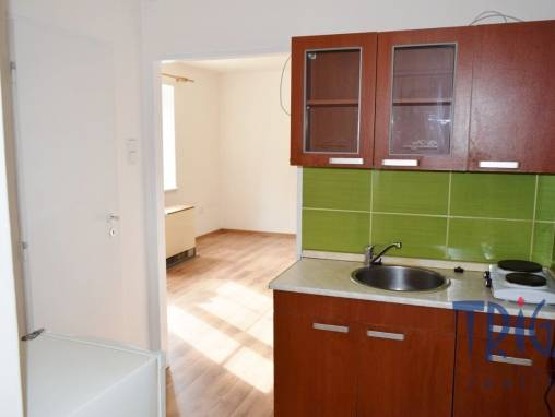 Trutnov - prodej družstevního bytu 1+kk foto 1