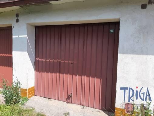 Dvůr Králové n.L. - zděná garáž foto 1
