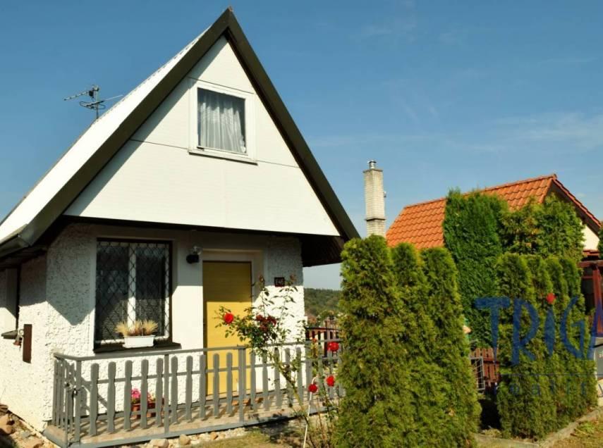 Velichovky - zděná chata s možností rozšíření a trvalého bydlení