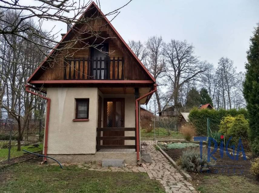 Týniště nad Orlicí - rekreační chata s ev. číslem, u lesa