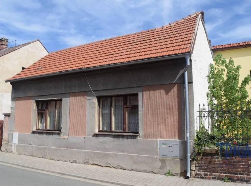 Nový Bydžov - rodinný domek u náměstí