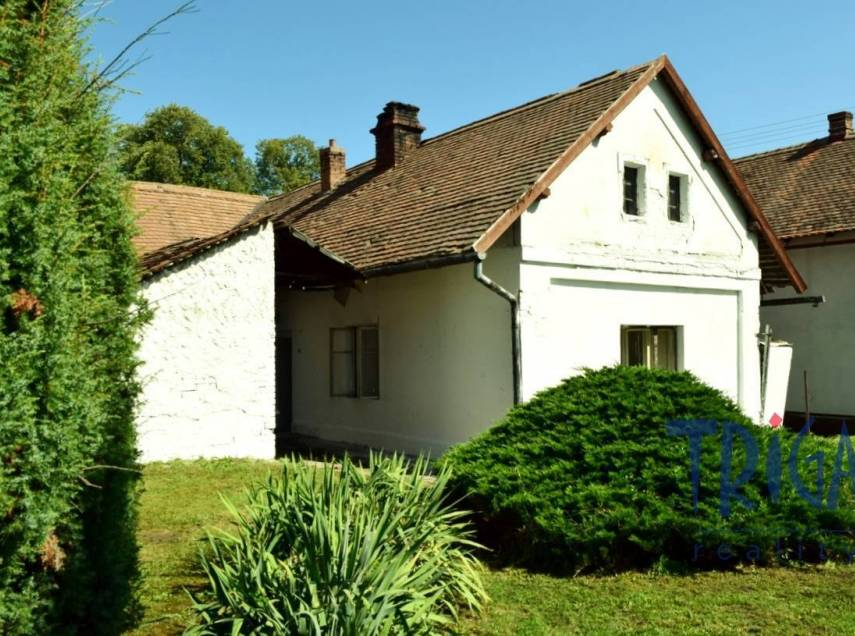 Jeníkovice - prodej staršího rodinného domu k rekonstrukci