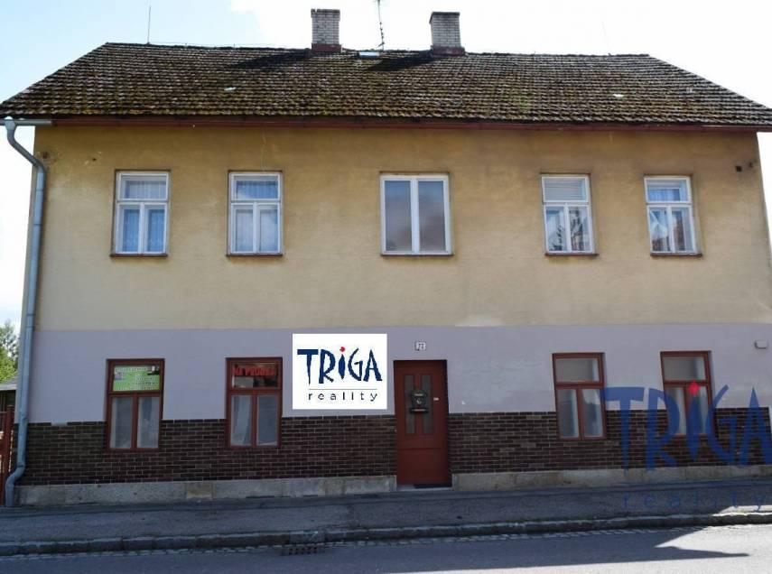 Velichovky - dům se dvěma bytovými jednotkami a pozemkem 1385 m²
