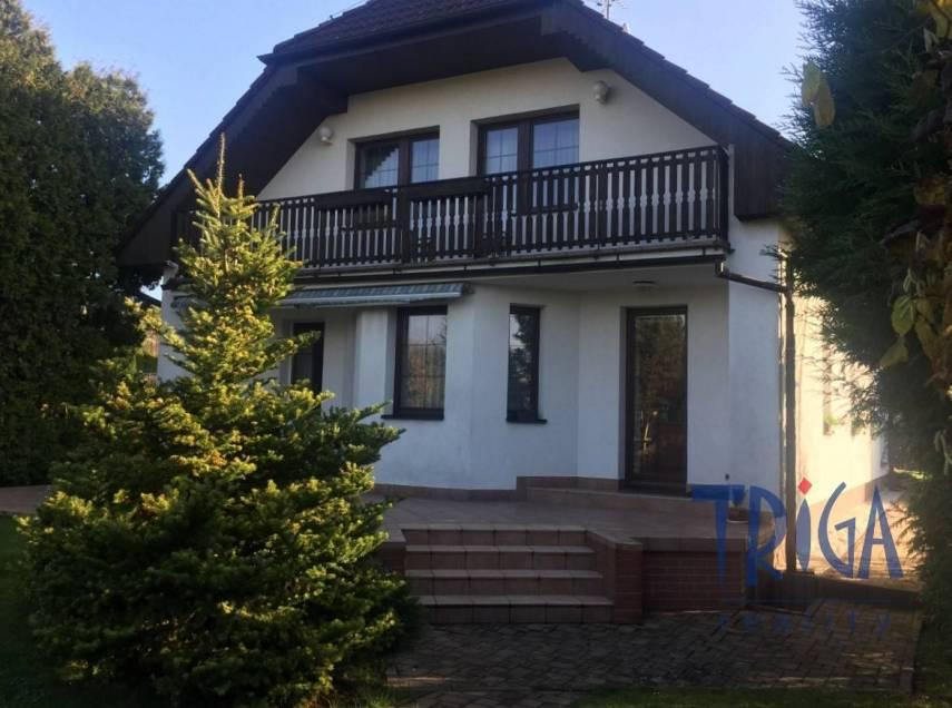 Jaroměř-Josefov - rodinný dům s bazénem