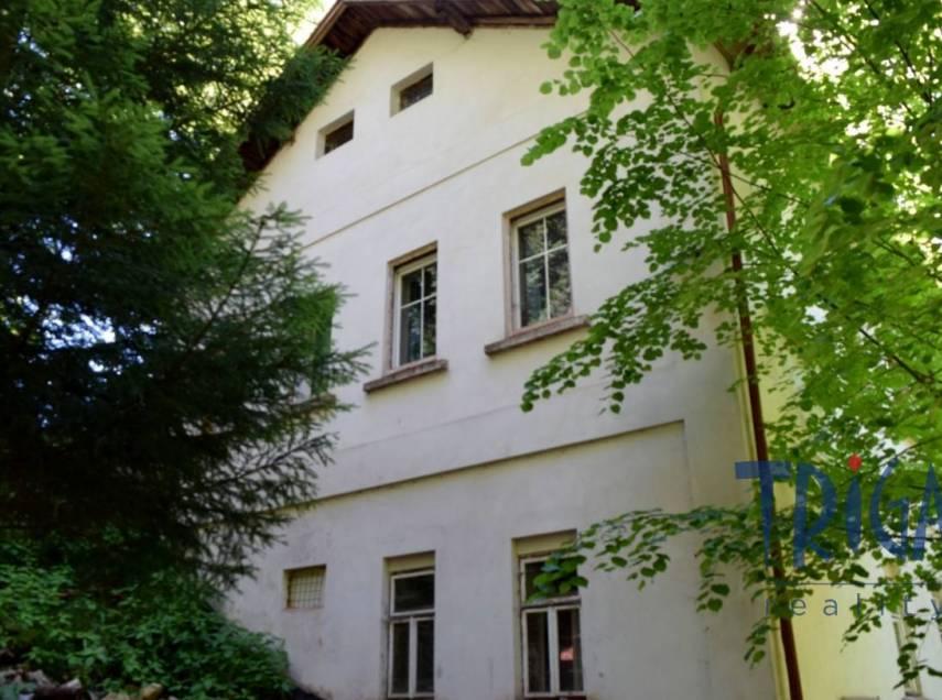 Svojek - Tample - prodej rodinného domu s číslem popisným a pozemky 2176 m²