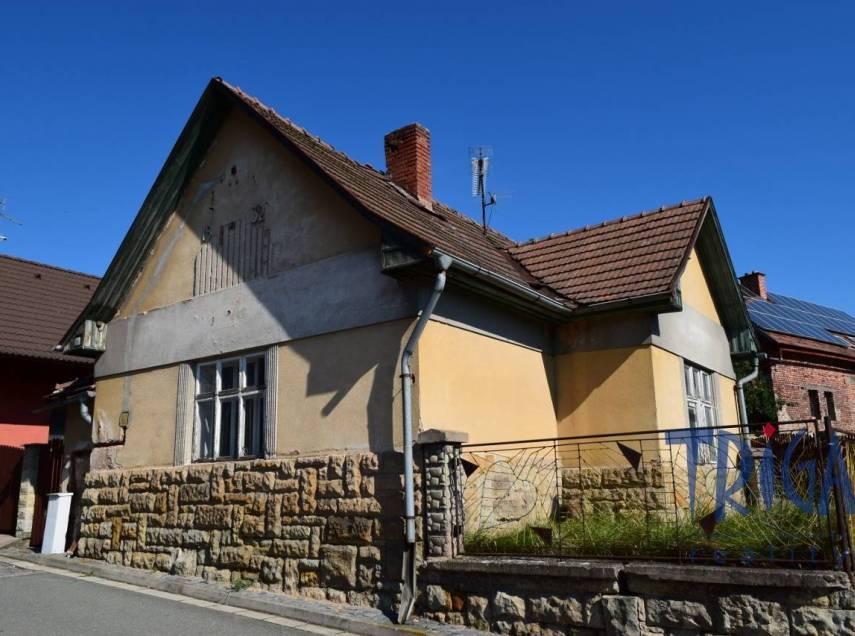 Velichovky - rodinný dům3+kk k rekonstrukci