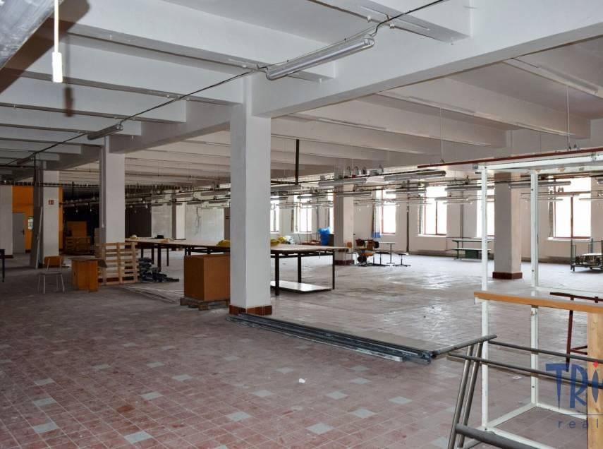 Jaroměř - pronájem nebytových prostor 1300 m²  výroba / sklad