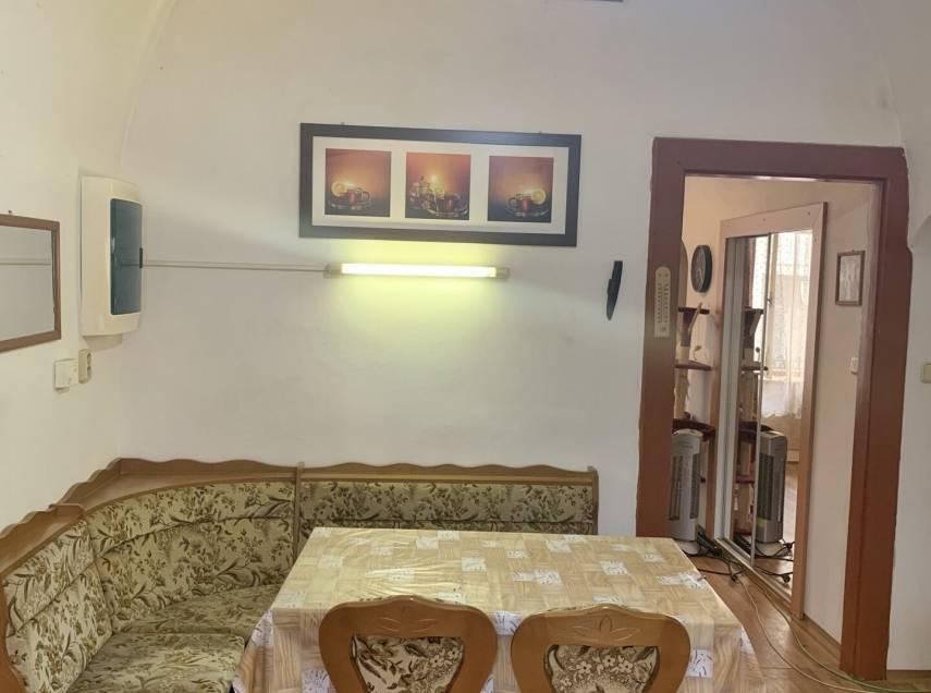 Jaroměř - Josefov, dva byty v jednom vchodu s kompletním zázemím