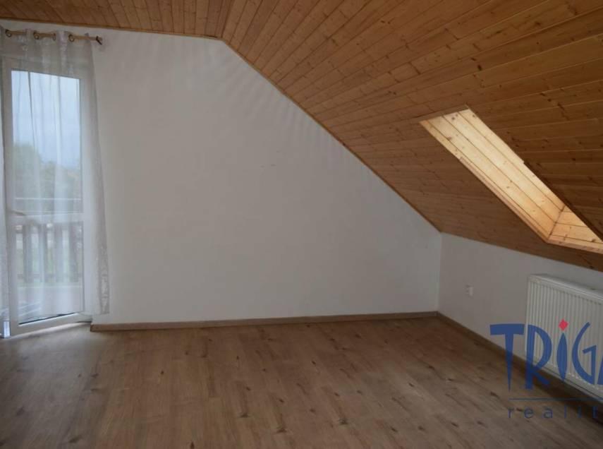 Jaroměř - pronájem bytu 3+1 v rodinném domě