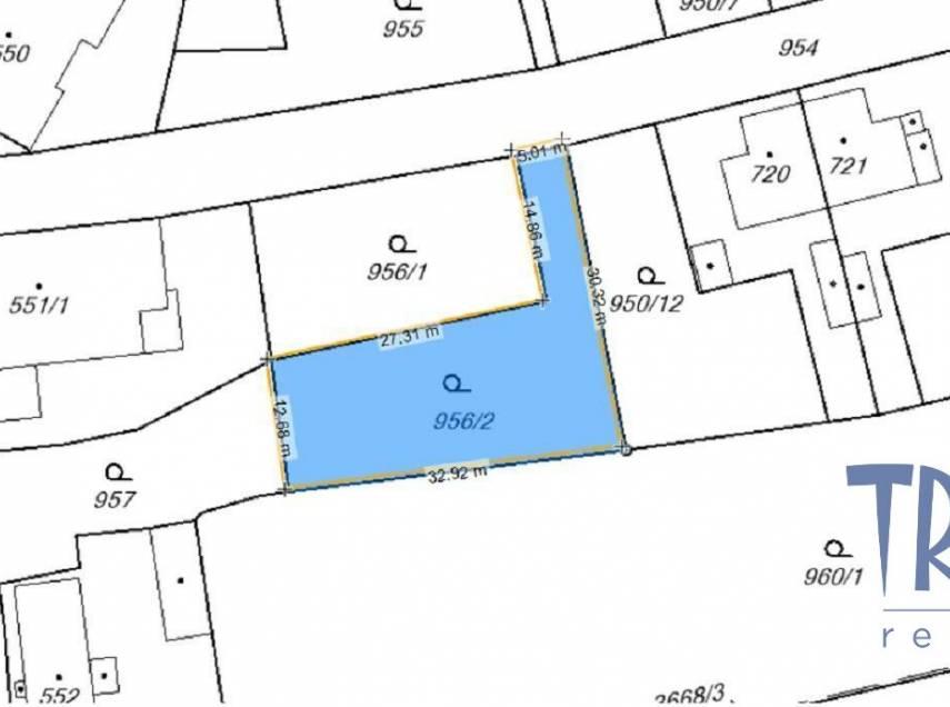Jaroměř - Jezbiny  - prodej pozemku 535  m²