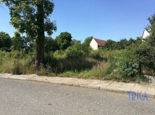 Land for sale, 1390 m²