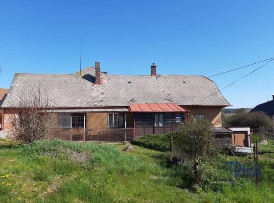 Bílá Třemešná - starší dům